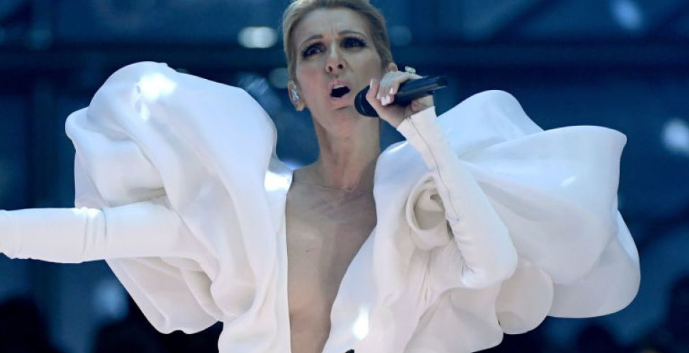 Image of Celine Dion performing